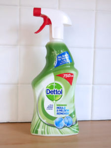 02-dettol-mould-mildew-remover